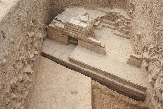 Rinvenute vicino a Persepoli le rovine del maestoso portale risalente all'epoca di Ciro il Grande (ca. 550 – 330 a.C.)